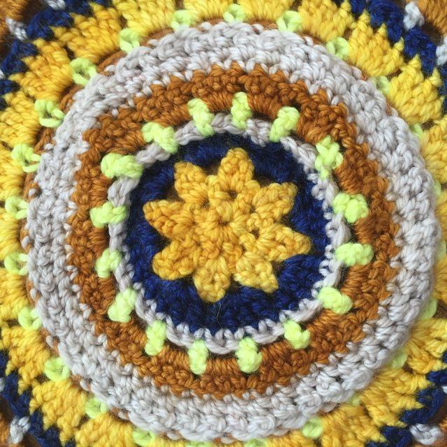 kim crochet mandala 2