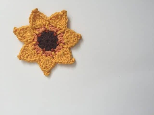 Morag Mackenzie's Mini Mandalas for Marinke 7
