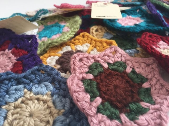 madwhimsy crochet mini mandalas for marinke 11