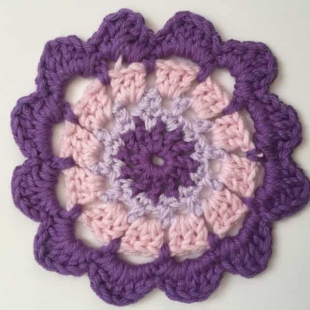carol crochet mandala 1