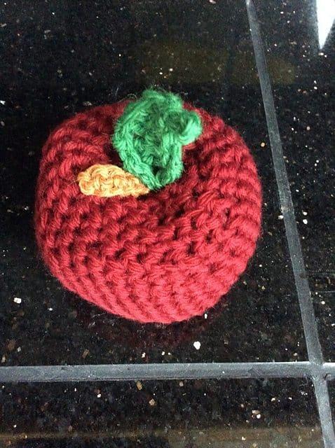 crochet apple free pattern