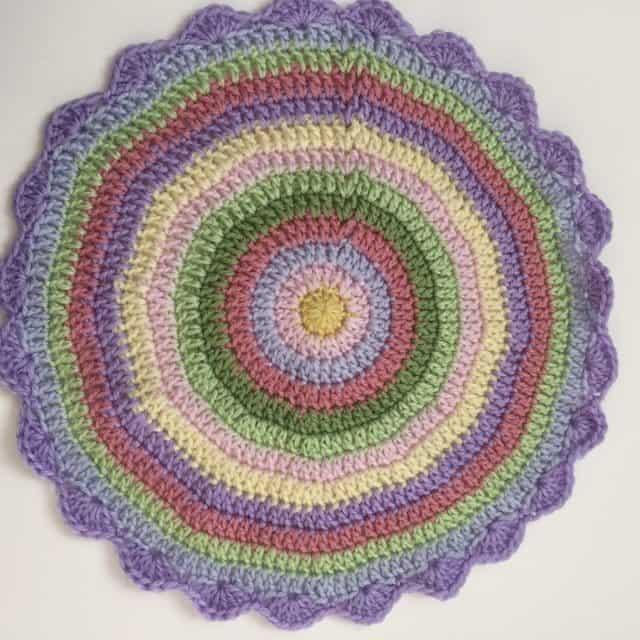 queen_babs crochet mandala 1