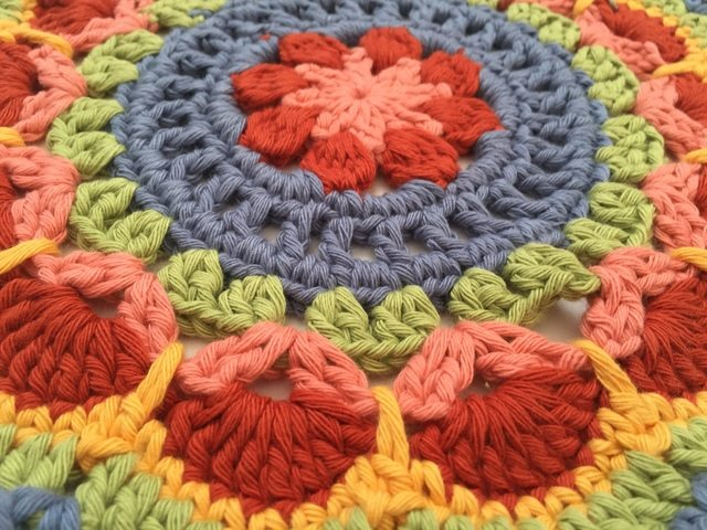 richele crochet mandala 4