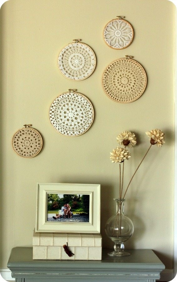 Wall art with color : Beautiful crochet art framed in embroidery hoops