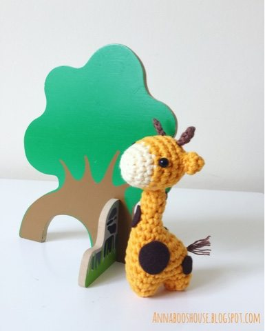tiny giraffe crochet pattern