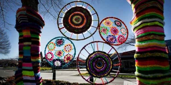 yarnbombing art