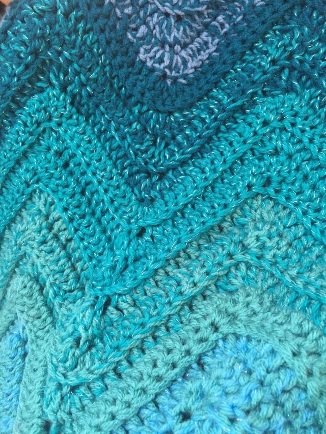 Blue Ombre Chevron Crochet Blanket 4