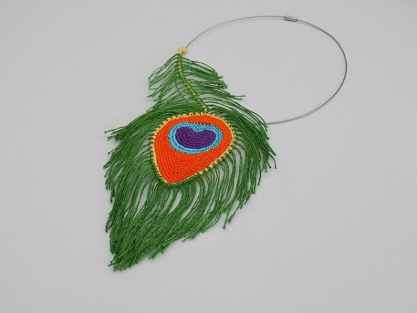 peacock feather necklace crochet pattern
