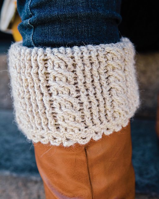 cabled-boot-cuffs-crochet-pattern
