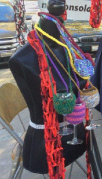 crochet-wineglass-holders
