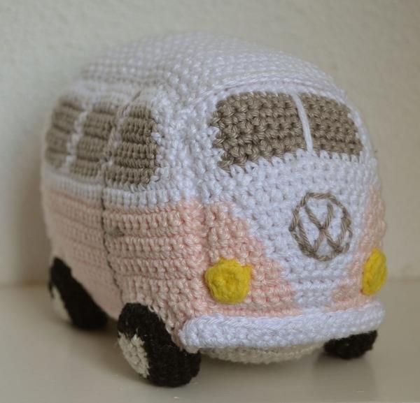 amigurumi-bus-free-crochet-pattern