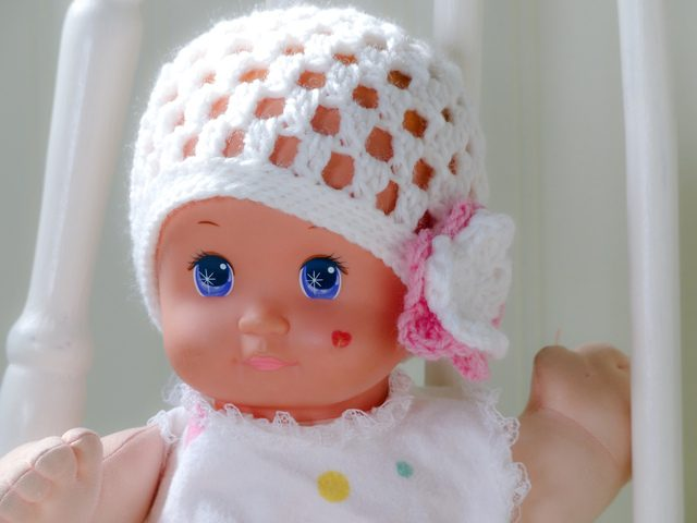 crochet baby hat by edna