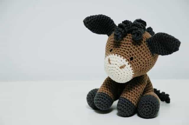iradumi crochet amigurumi horse sitting