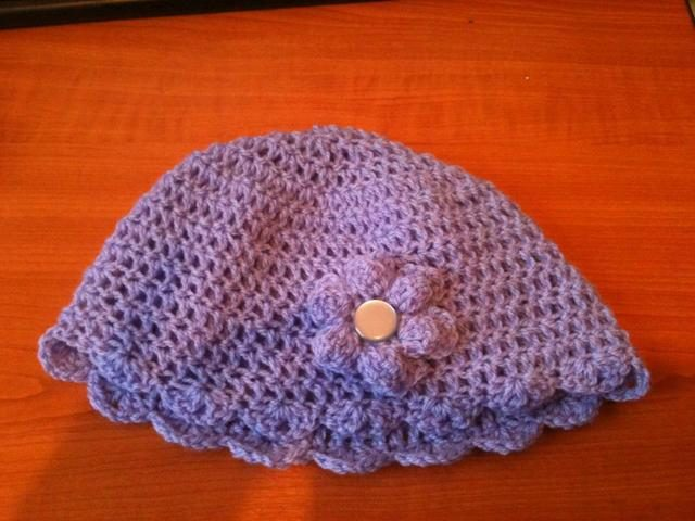 purple crochet hat by red squirrel crafts