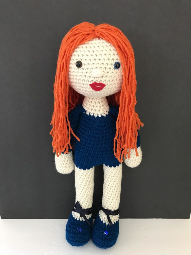 crochet girl doll by maria cabriza