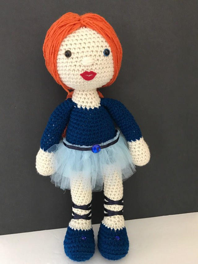 crochet toy by maria cabriza