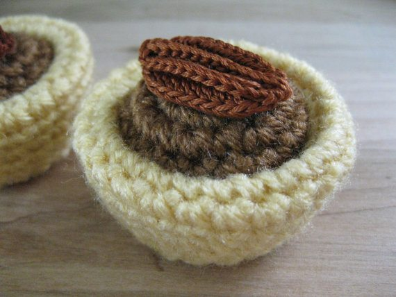 mini pecan tart crochet pattern