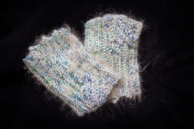 crochet heals andrea - wristers