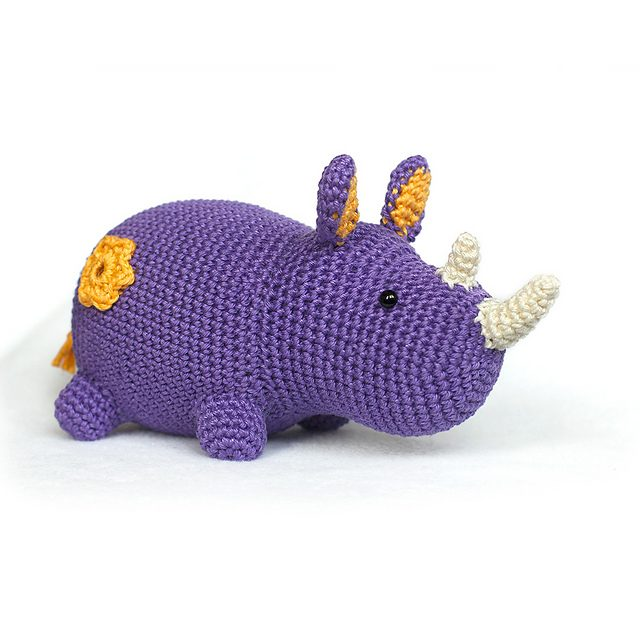 crochet rhino pattern with flower