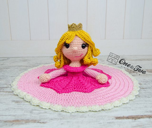 Princess Rose Lovey crochet blanket pattern