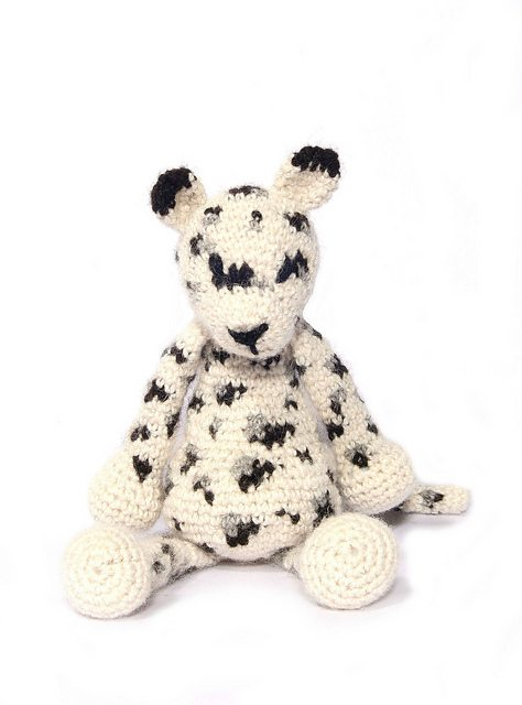 edward's menagerie crochet snow leopard