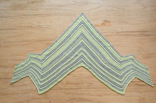 bolt shawl crochet pattern