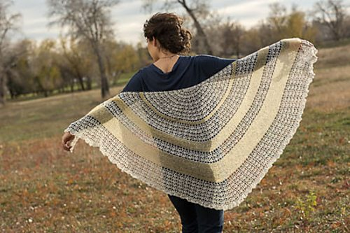 Buttercream Shawl by Annette Petavy