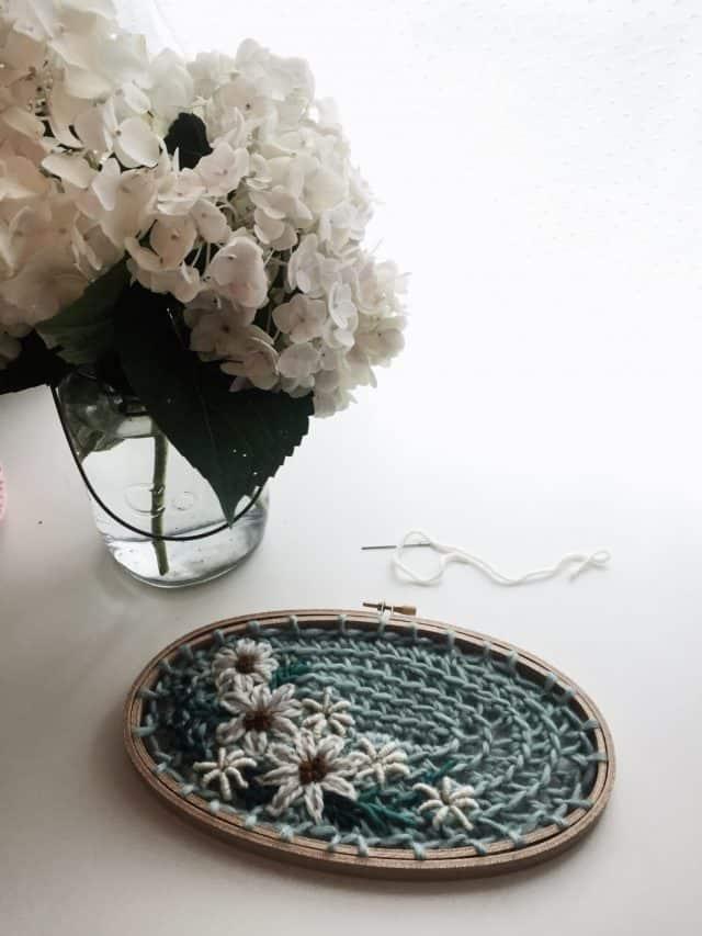 fiori e uncinetto arte