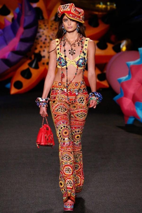 moschino-spring-crochet-bikini-top